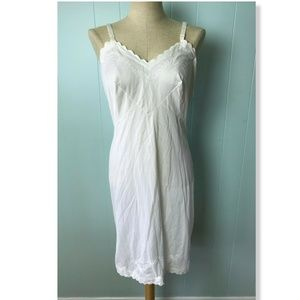 Vtg Movie Star Women's Soft Nylon Slip White M